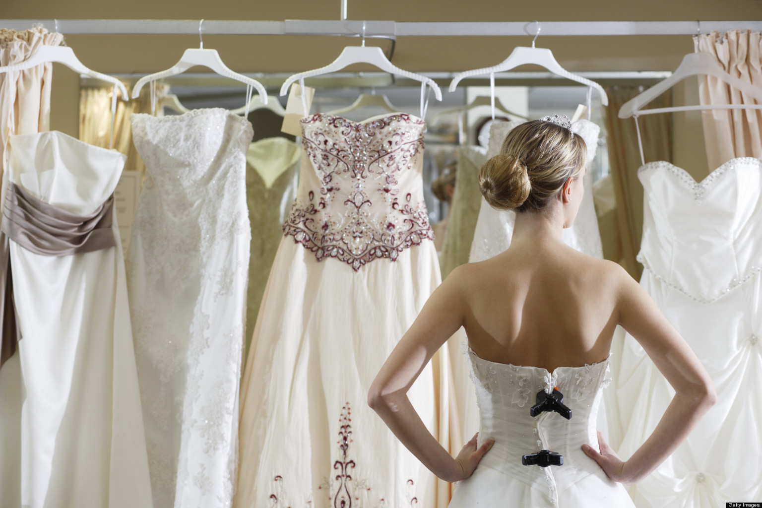 the ultimate need-to-know guide to wedding dress shopping